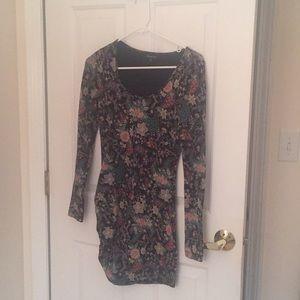 Dresses & Skirts - Taulua Bodycon Dress XS